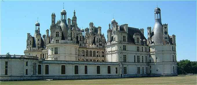 chateau de chambord. Black Bedroom Furniture Sets. Home Design Ideas