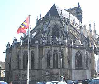 La cath�drale Saint Cyr et Sainte Julitte de Nevers: abside Gothique