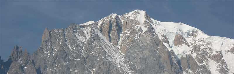 Le Mont Blanc et l'Aiguille de la Brenva vus d'Entrèves près de Courmayeur