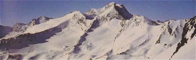 Le Grand Paradis avec au premier plan la chaîne de l'Herbetet