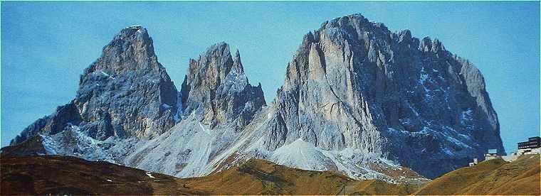 Dolomites: le Sassolungo vu près du col Sella