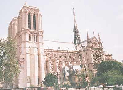 http://www.francebalade.com/paris/parisnd5.jpg
