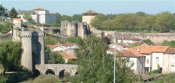 Porte Saint Jacques et le Chateau