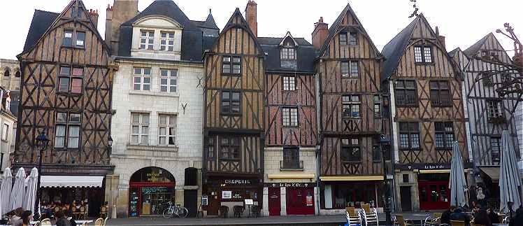 Tours plumereau - La maison de la place saignon ...