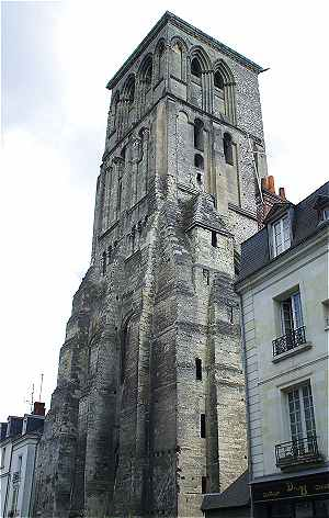 Tour Charlemagne � Tours